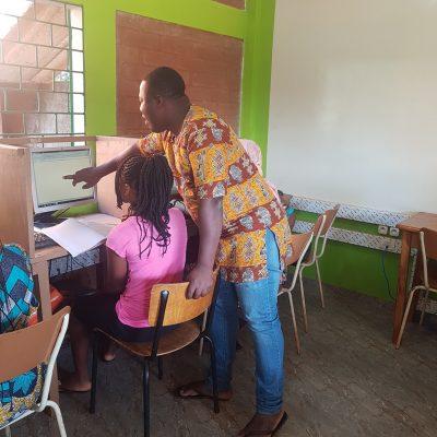 Cours d'informatique au Cyber, Sichem, Togo, 2019