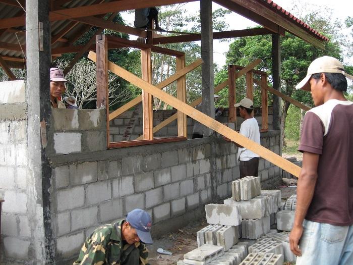 Construction Laos 2006 -pose fenêtres